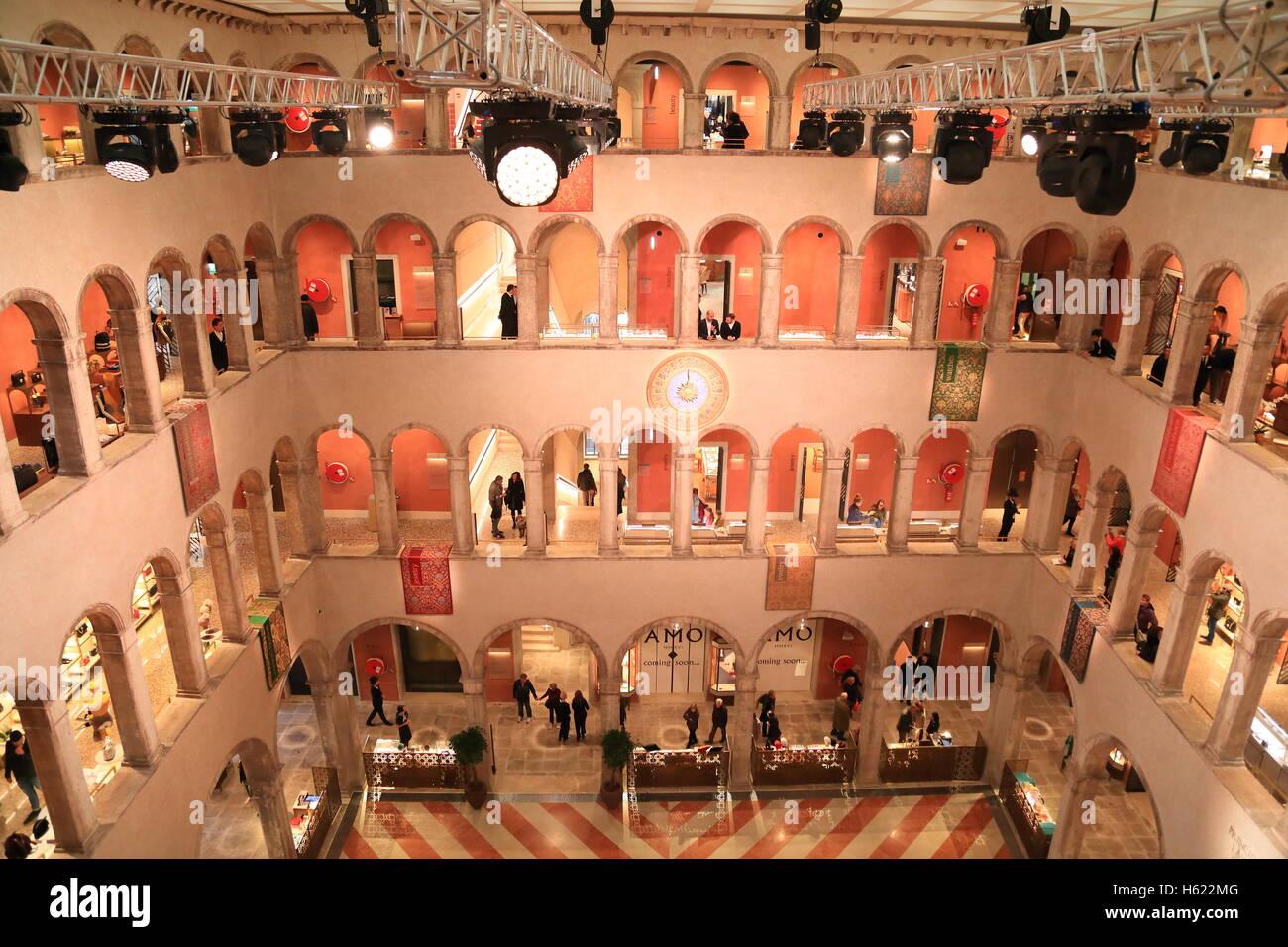 The luxury shopping center Fondaco dei Tedeschi in Venice. - Stock Image