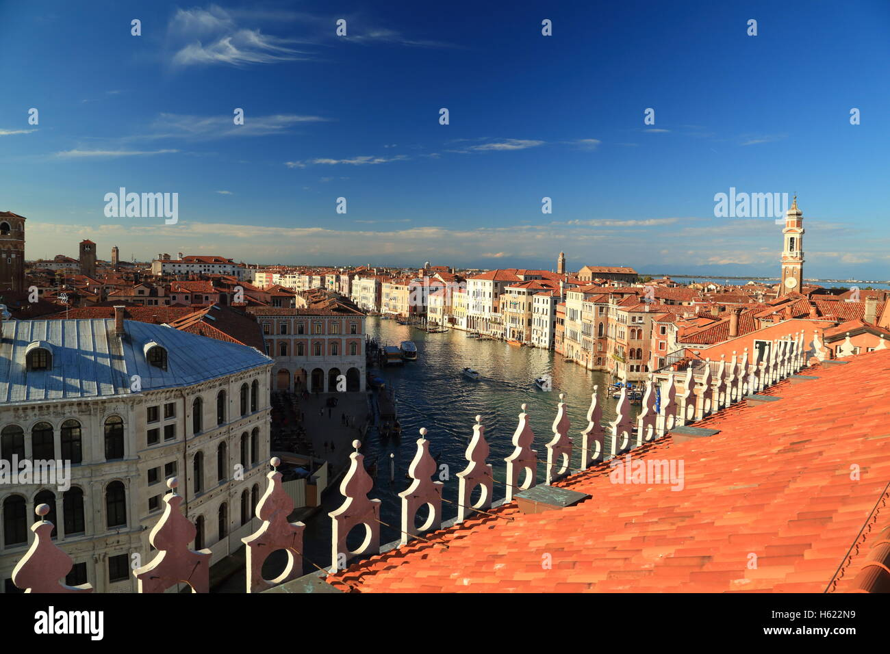 Roof terrace of the luxury shopping center Fondaco dei Tedeschi in Venice. - Stock Image