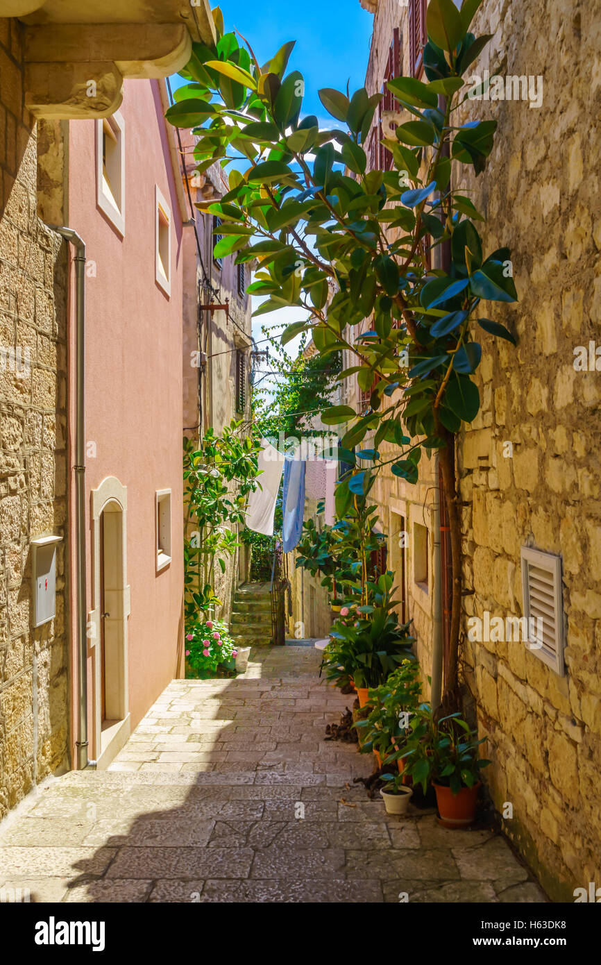 An alley in the old city of Korcula, in Dalmatia, Croatia - Stock Image