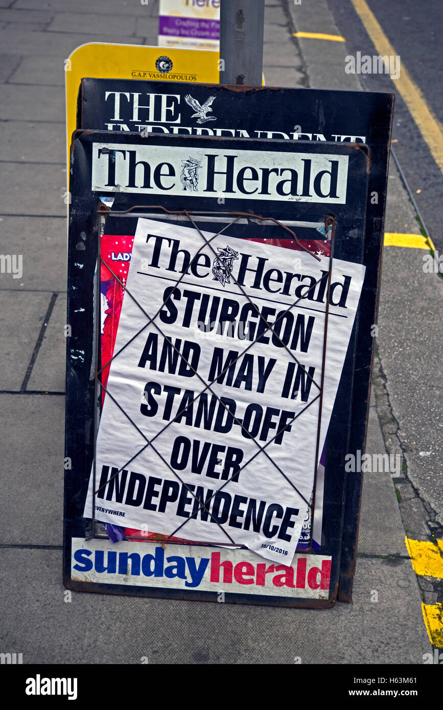 Billboard for The Herald newspaper - Sturgeon and May in Stand-off over Independence. - Stock Image