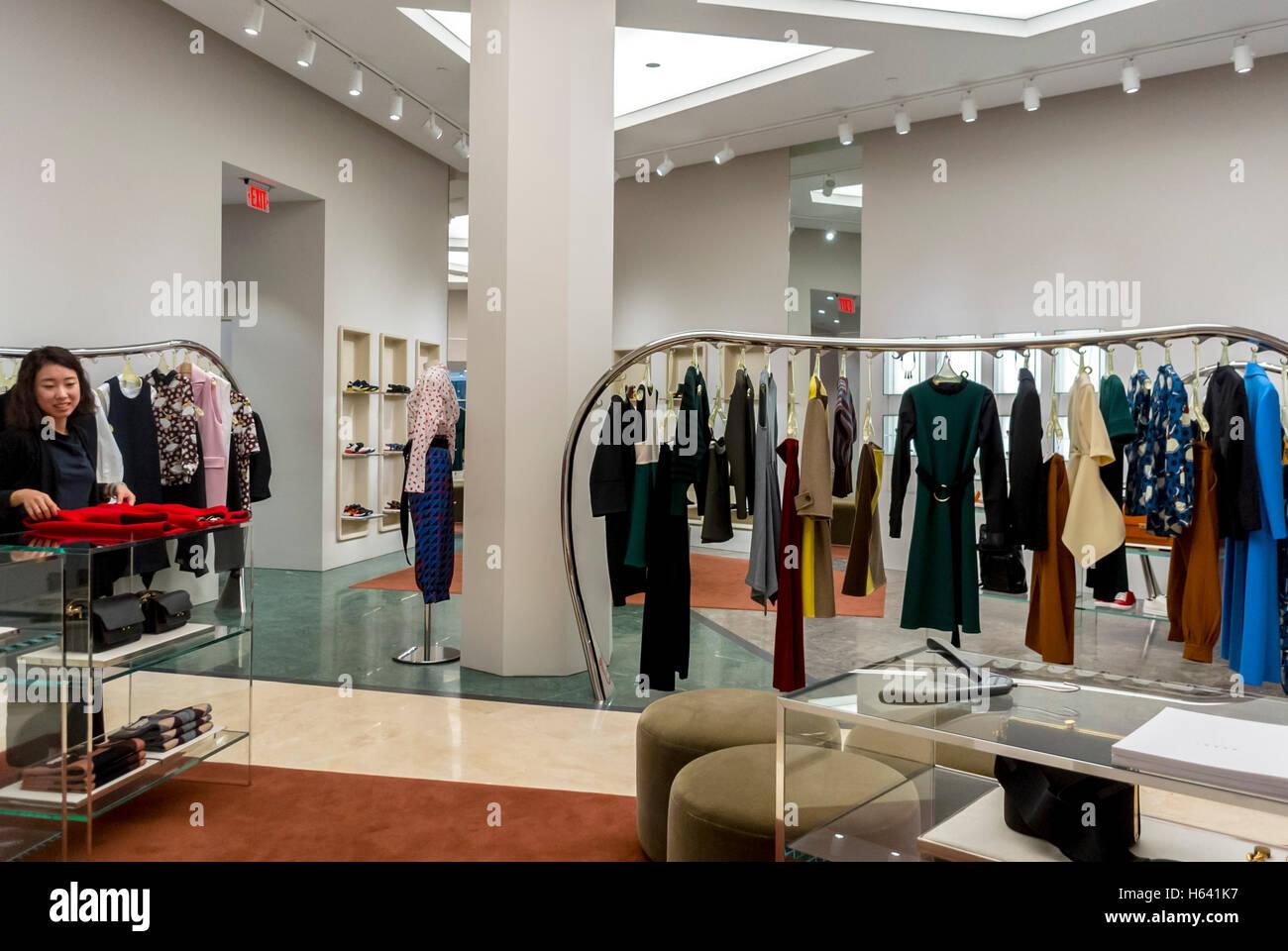 San Francisco Ca Usa Clothing Store Interior Clothes On Display Stock Photo Alamy