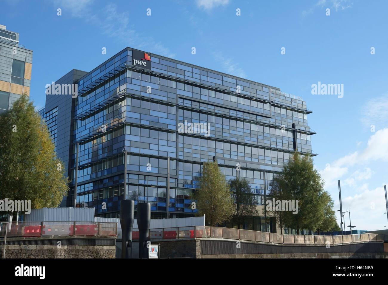 Around Bristol City. PWC Building - Stock Image