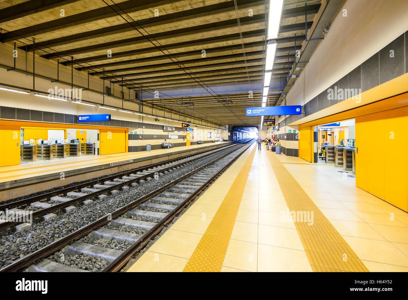 Aeroporto Bari : Bari italy july aeroporto is a railway station opened