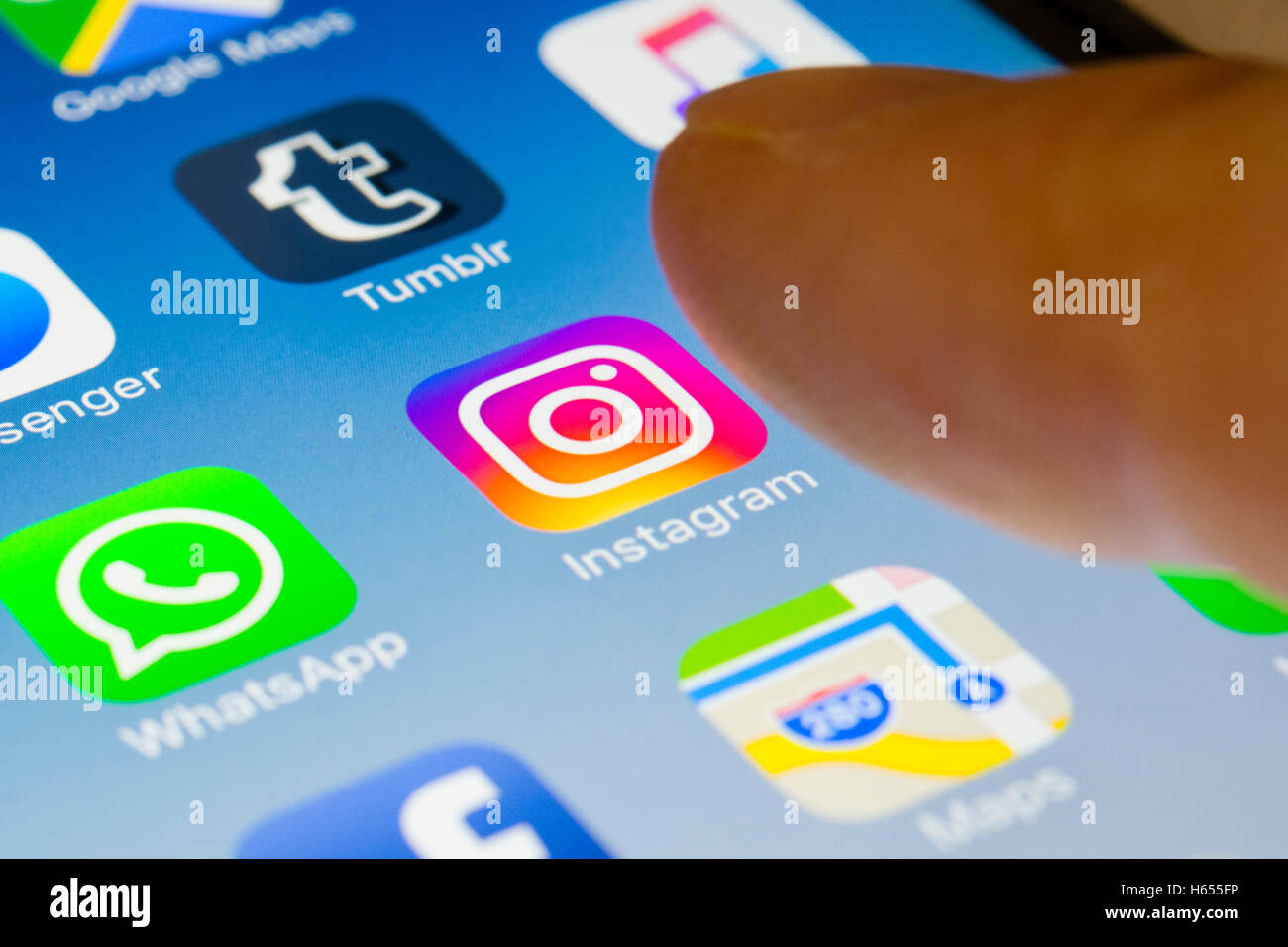 how to download instagram on my phone