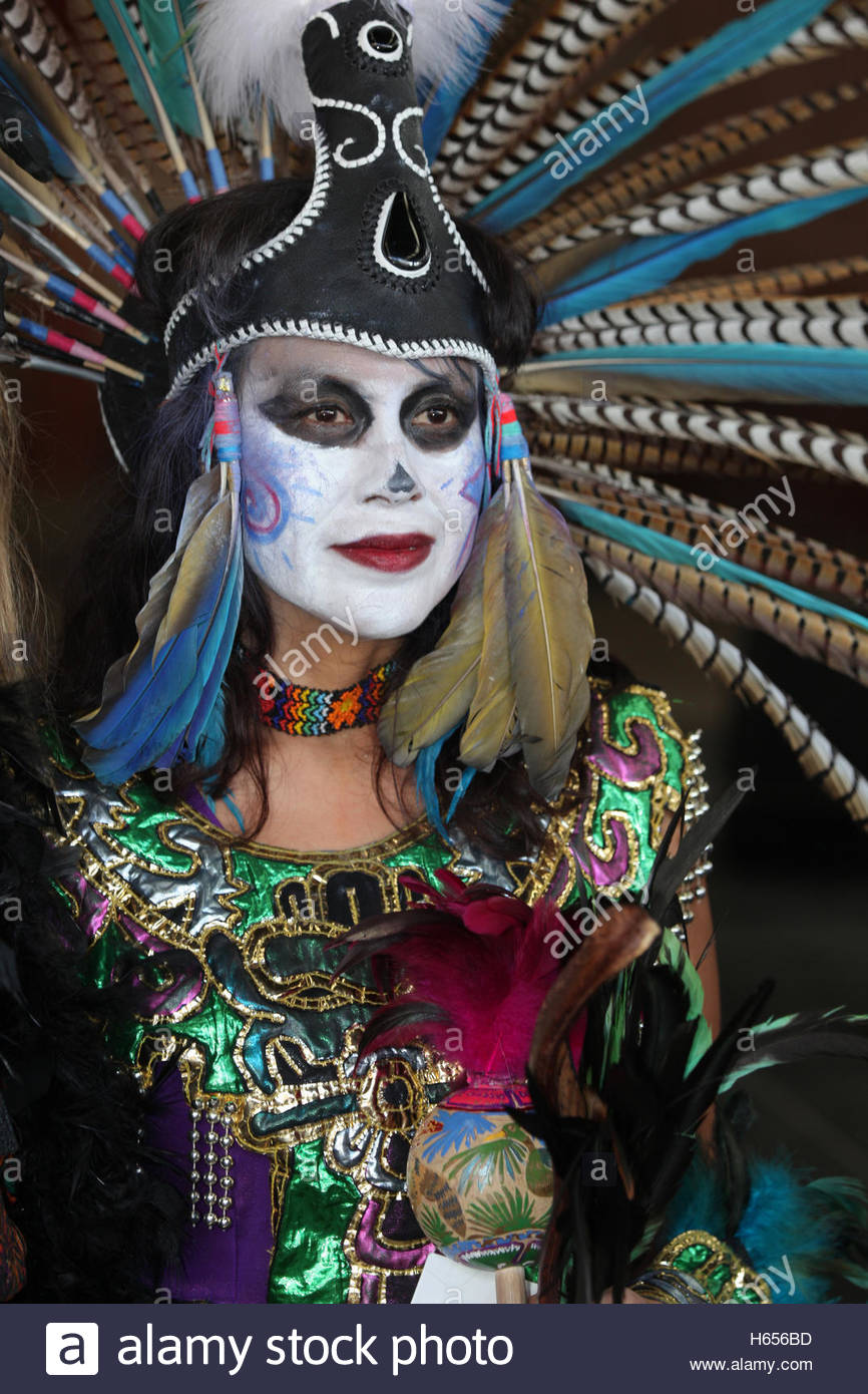 Mexican Dancer Dressed In An Aztec Costume During The Day Of The Dead H Bd on Aztec Dance Headdress