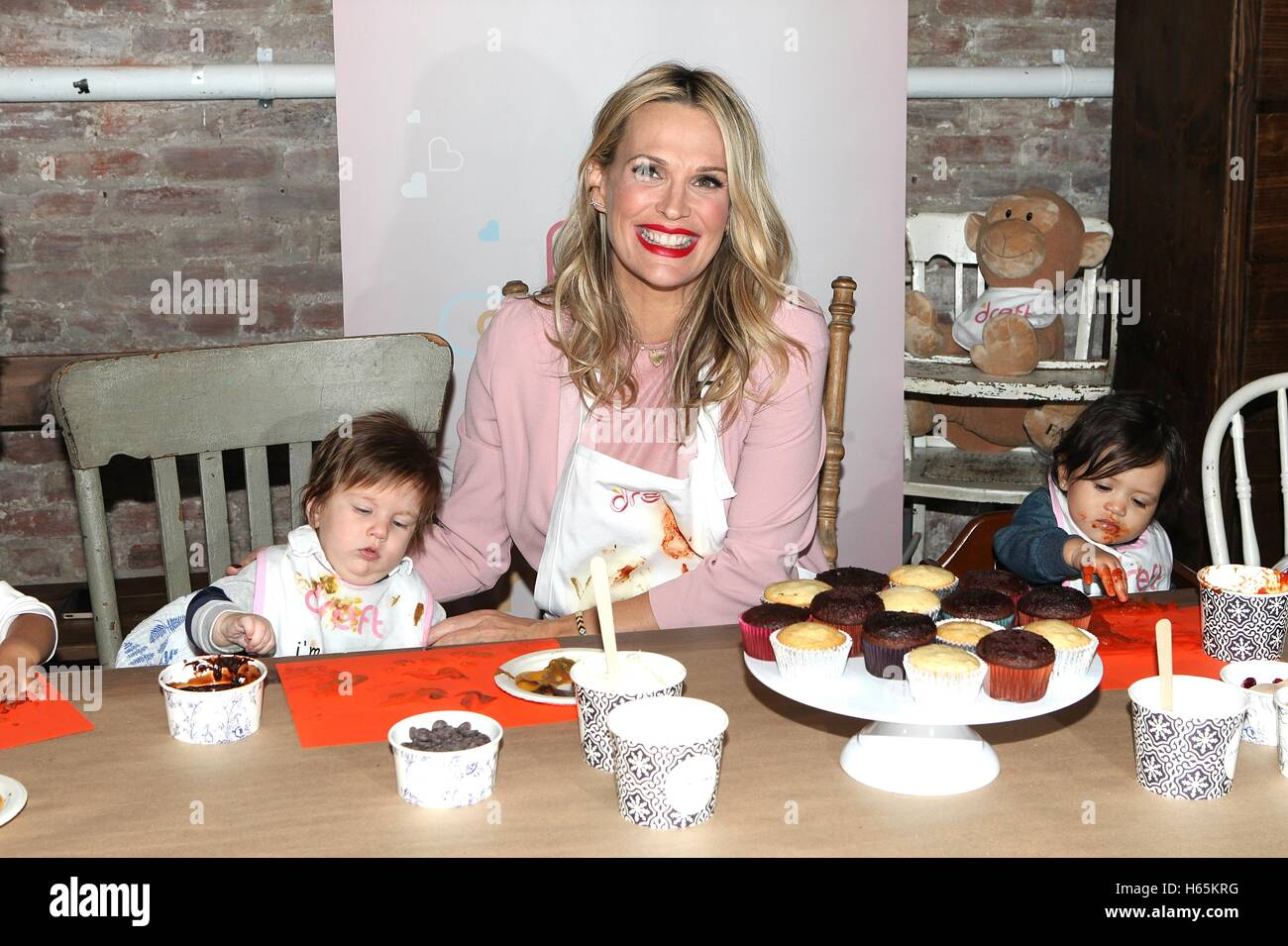 New York, NY, USA. 25th Oct, 2016. Model Molly Sims attends America's Messiest Baby Contest Launch at Maman - Stock Image