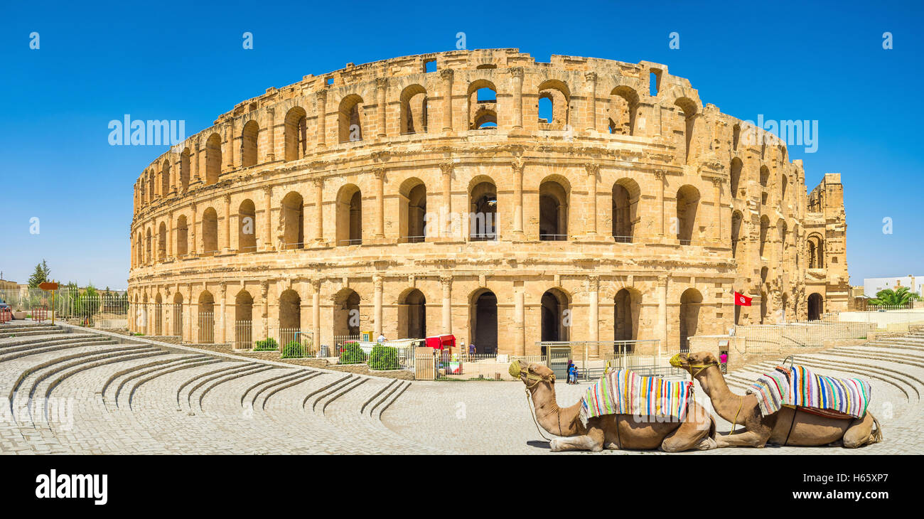 The beautiful amphitheatre in El Jem remindes the Roman Colloseum, and is one of the most popular landmarks in Tunisia. - Stock Image