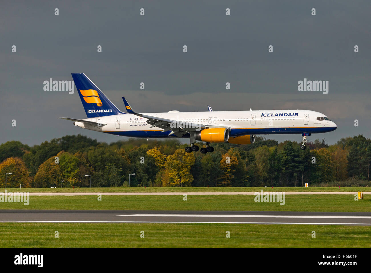 TF-ISS Icelandair Boeing 757-223 Manchester Airport England Uk. arrivals. - Stock Image