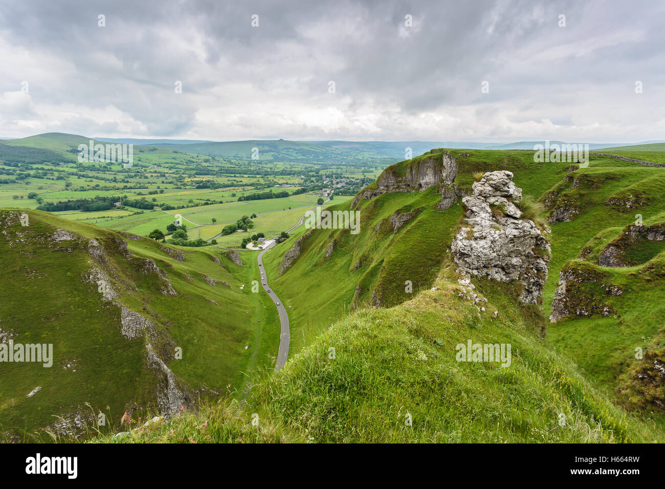 The road to Castleton from Winnats Pass - Stock Image