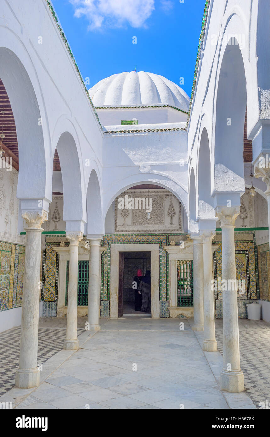 The Barber's Mosque except ther prayer hall consists of many courtyards and terraces in Andalusian style, Kairouan - Stock Image
