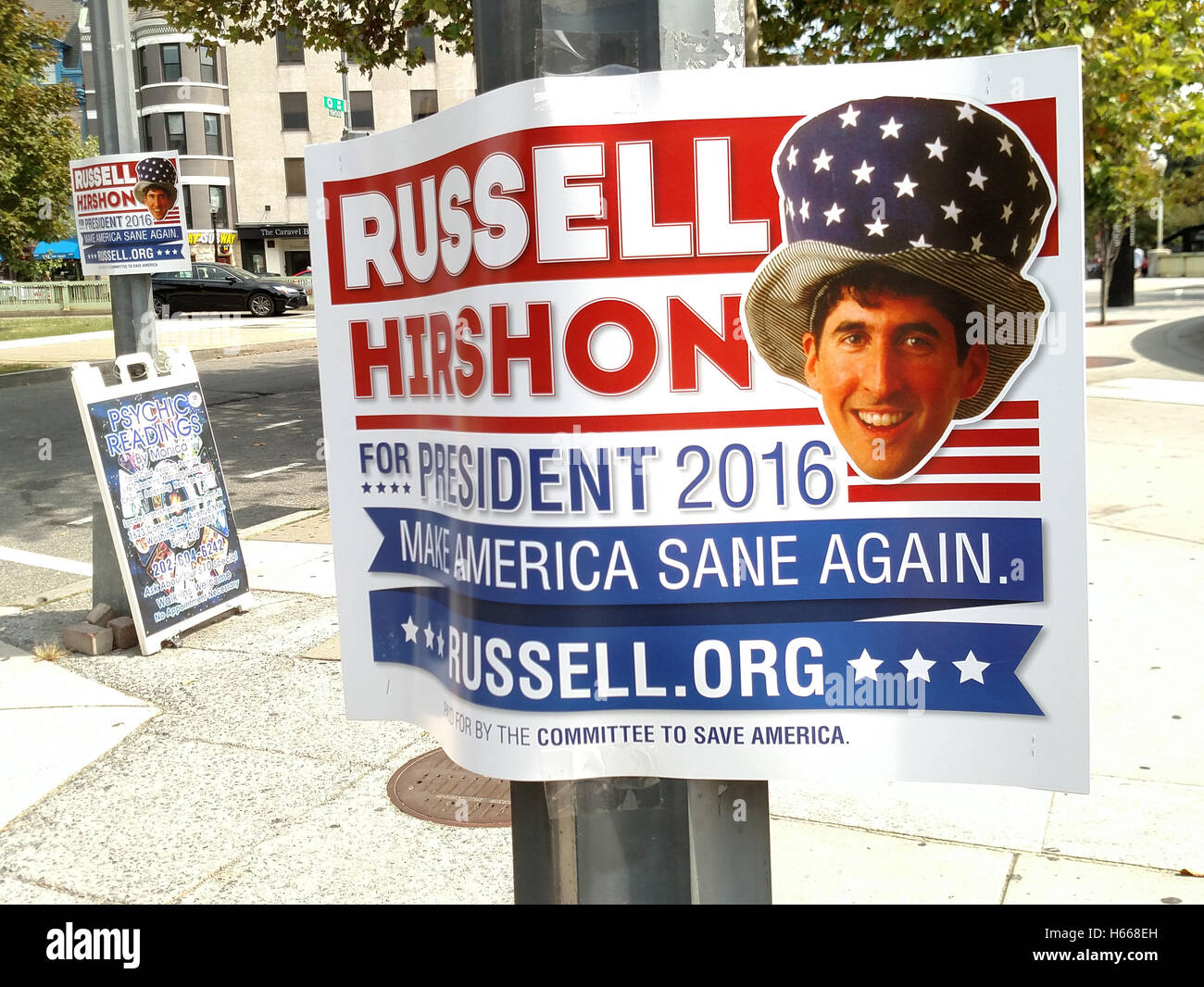 2016 U.S. Presidential Campaign Candidate Russell Hirshon promotes charitable giving over political contributions. - Stock Image