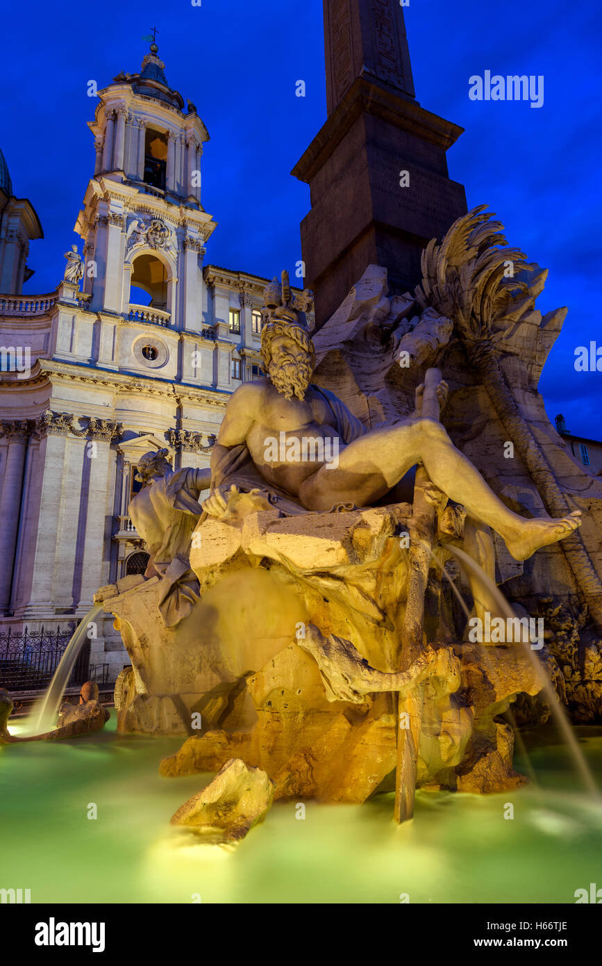 Night view of Fountain of the four Rivers, Piazza Navona, Rome, Lazio, Italy - Stock Image