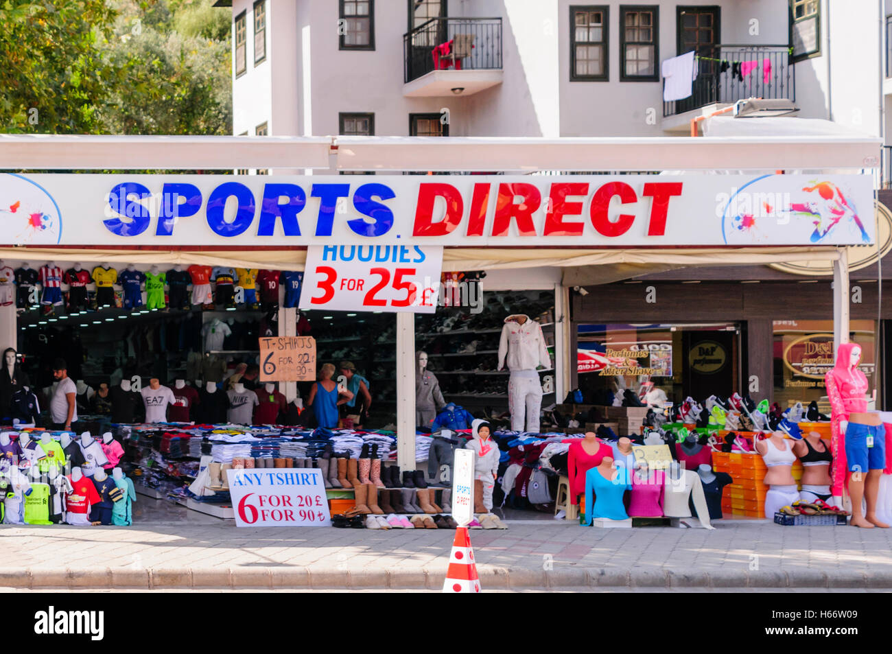 shop in turkey called sports direct selling counterfeit clothing stock photo 124311833 alamy. Black Bedroom Furniture Sets. Home Design Ideas