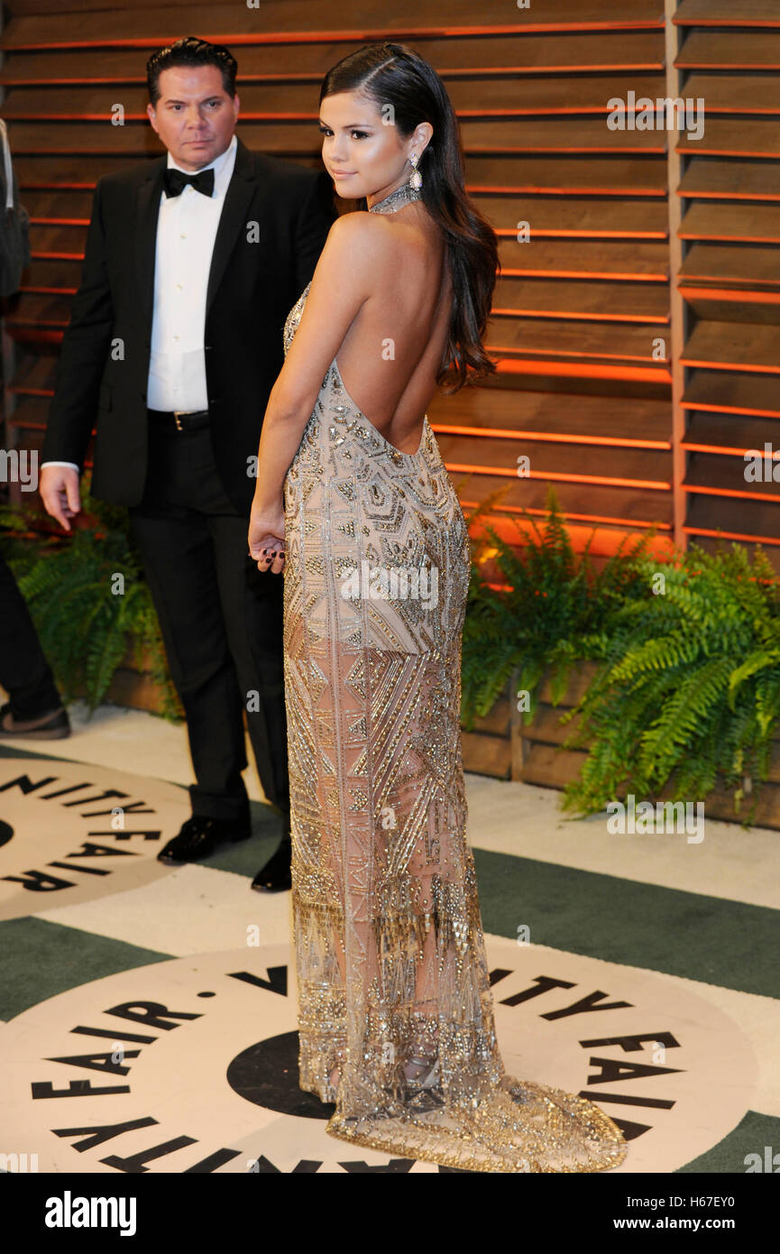 Selena Gomez Attends The 2014 Vanity Fair Oscar Party On March 2 Stock Photo Alamy