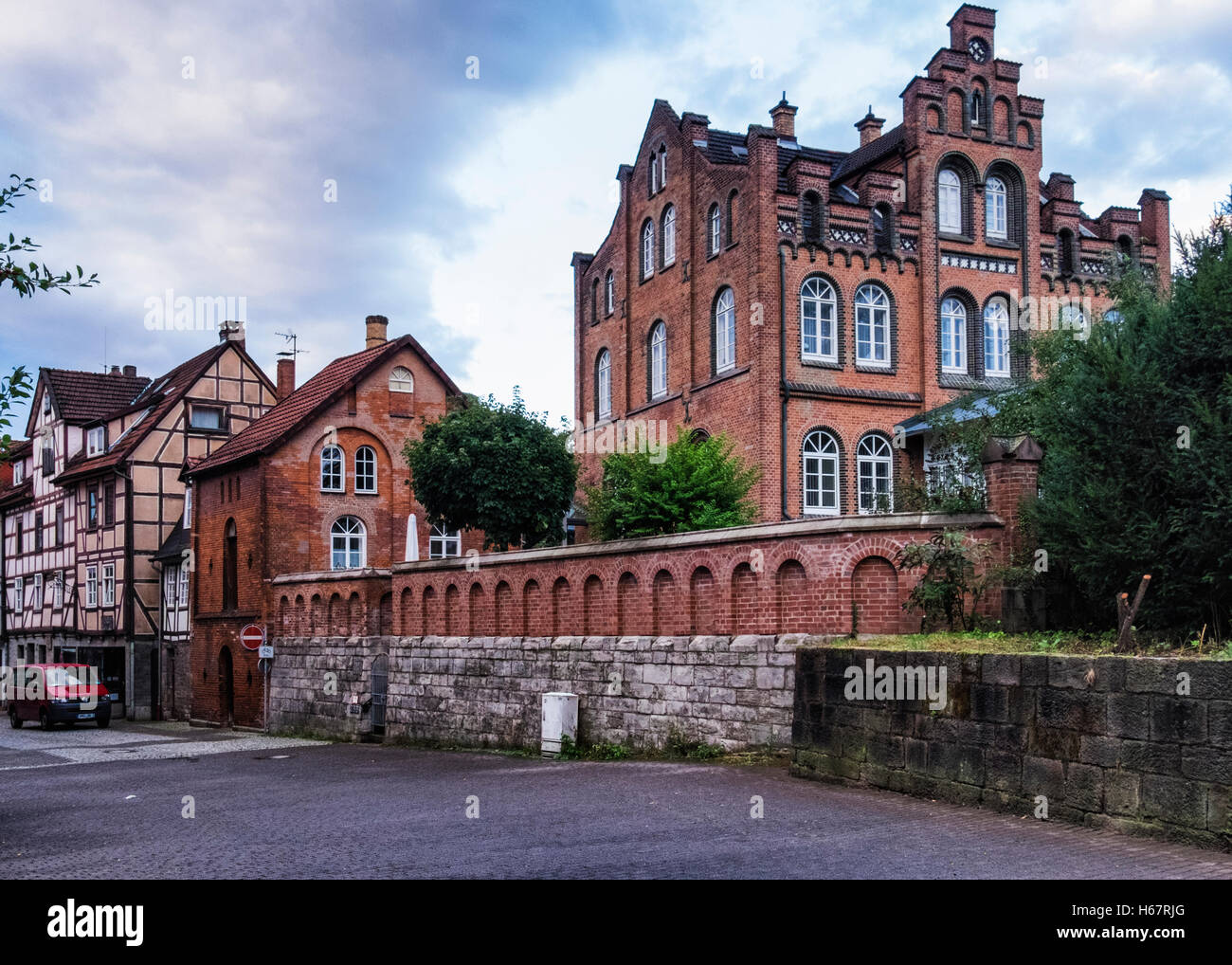 Brick homes stock photos brick homes stock images alamy for Saxony homes