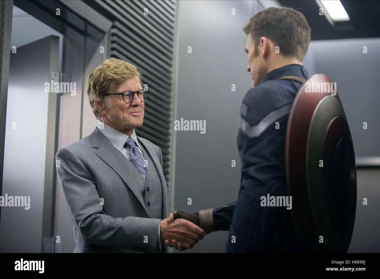 ROBERT REDFORD & CHRIS EVANS CAPTAIN AMERICA: THE WINTER SOLDIER (2014) - Stock Image
