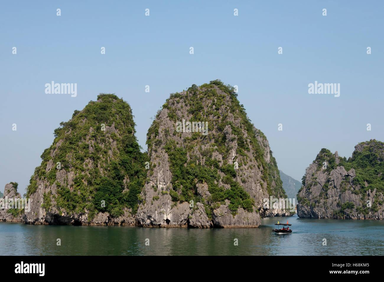 Beautiful rock formations in Ha Long Bay, Vietnam - Stock Image