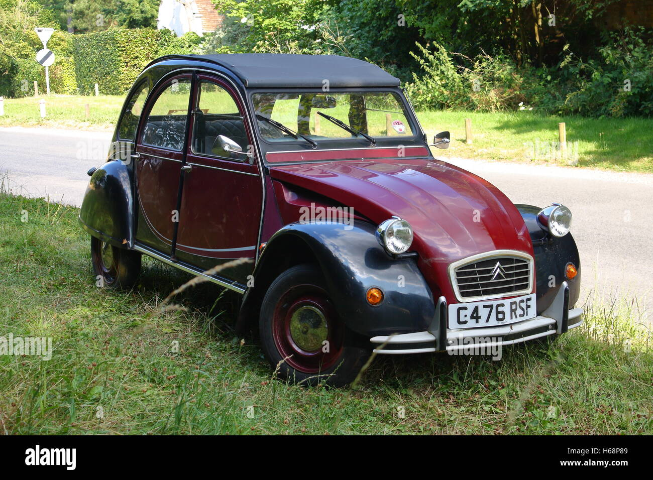 citroen 2cv charleston stock photos citroen 2cv. Black Bedroom Furniture Sets. Home Design Ideas