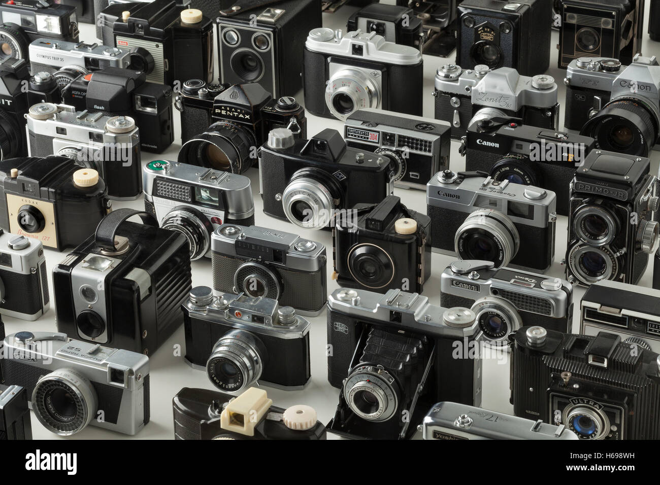 Collection of old analogue different camera's - Stock Image