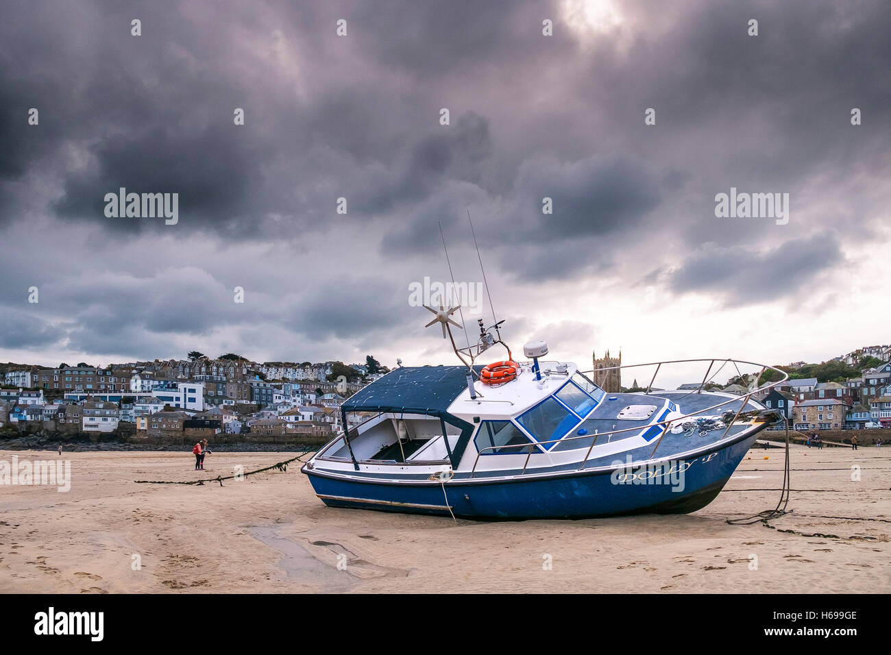 Low tide at St Ives harbour in Cornwall. Stock Photo