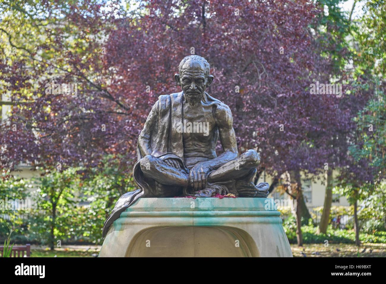 mahatma gandhi statue,  London   Tavistock Square - Stock Image