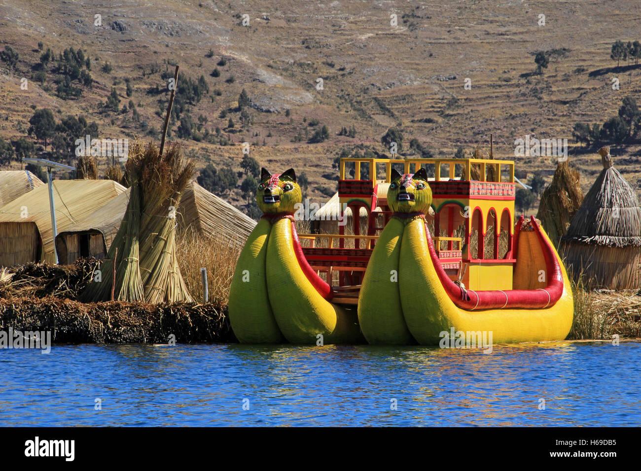 Totora reed floating islands Uros, lake Titicaca, Peru - Stock Image