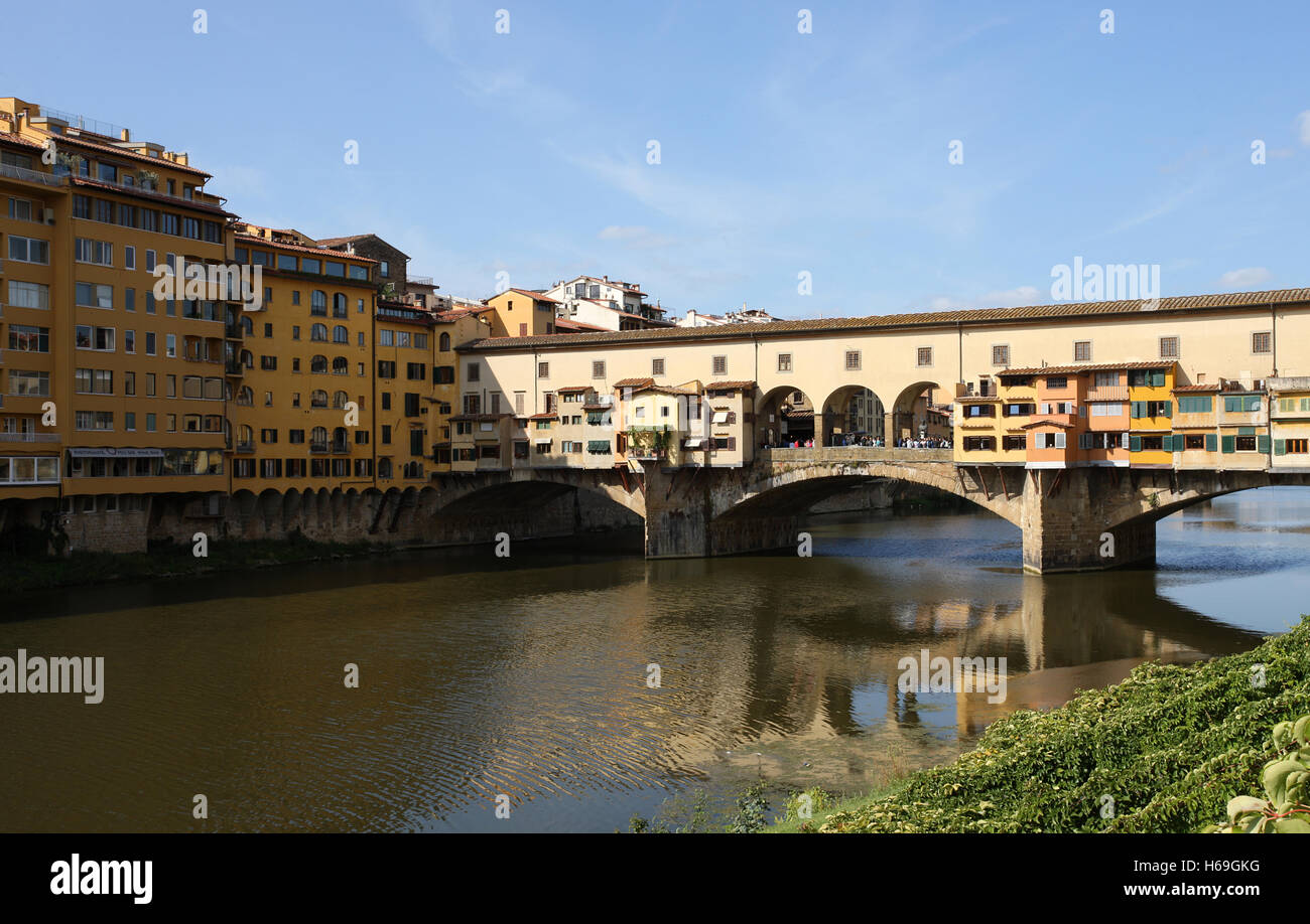 The famous Ponte Vecchio Bridge over the Arno in Florence Italy - Stock Image