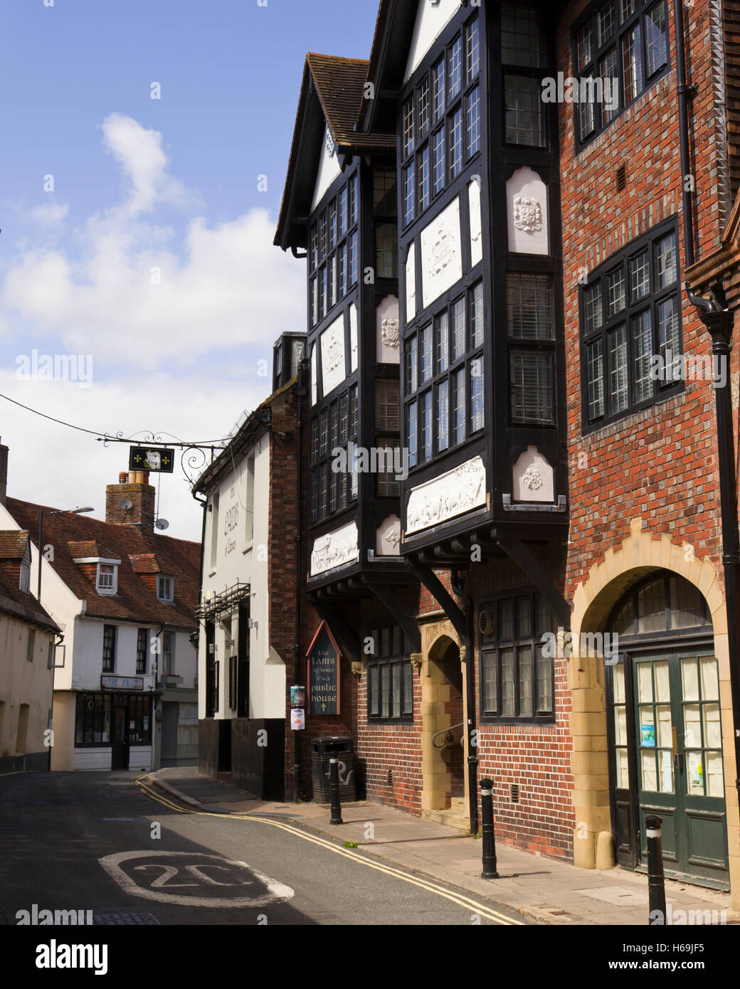 Fisher Street in Lewes with The Lamb of Lewes pub and the Council offices on the rights . - Stock Image