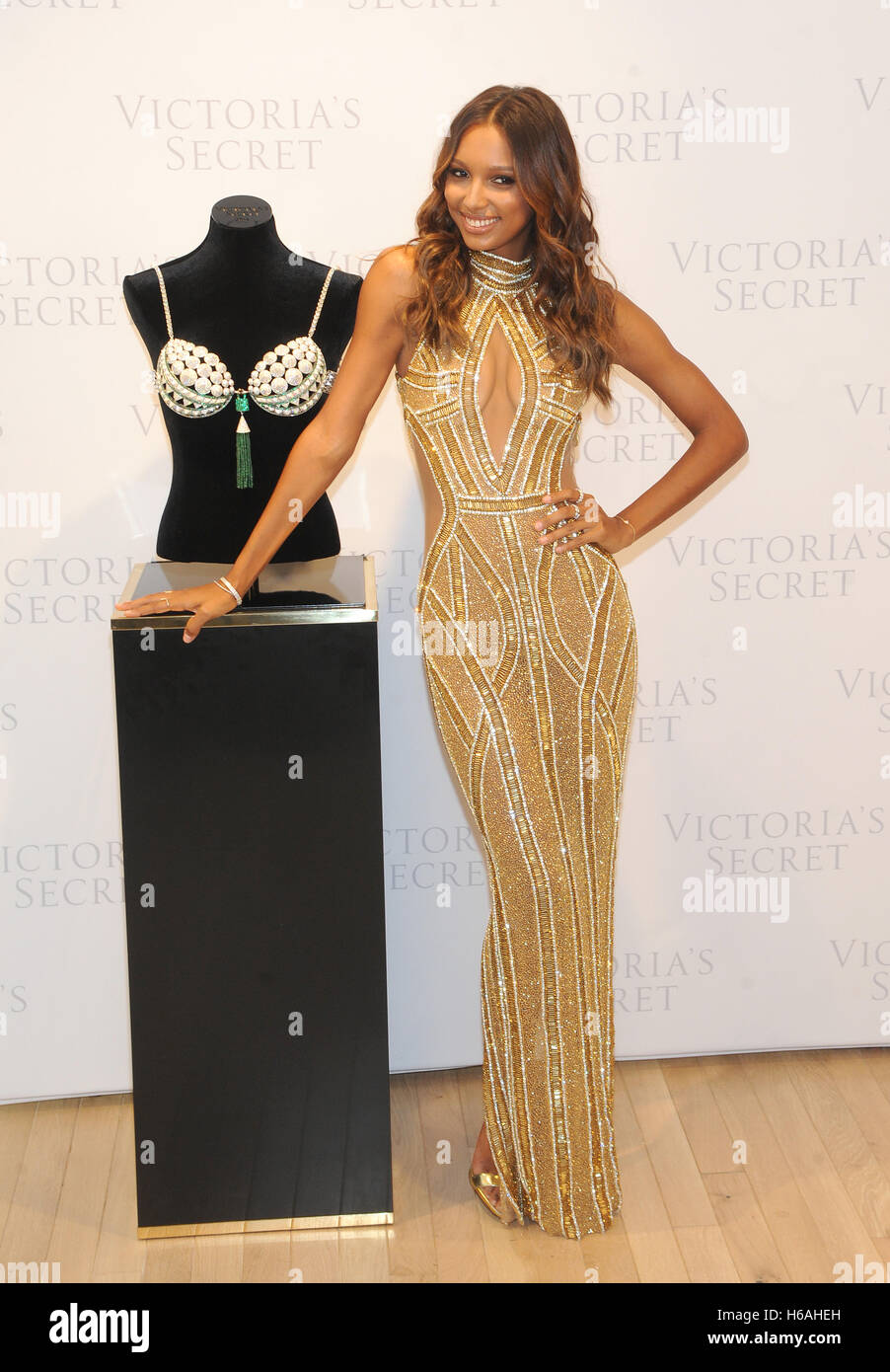 6109d0332a Jasmine Tookes Stock Photos   Jasmine Tookes Stock Images - Page 3 ...