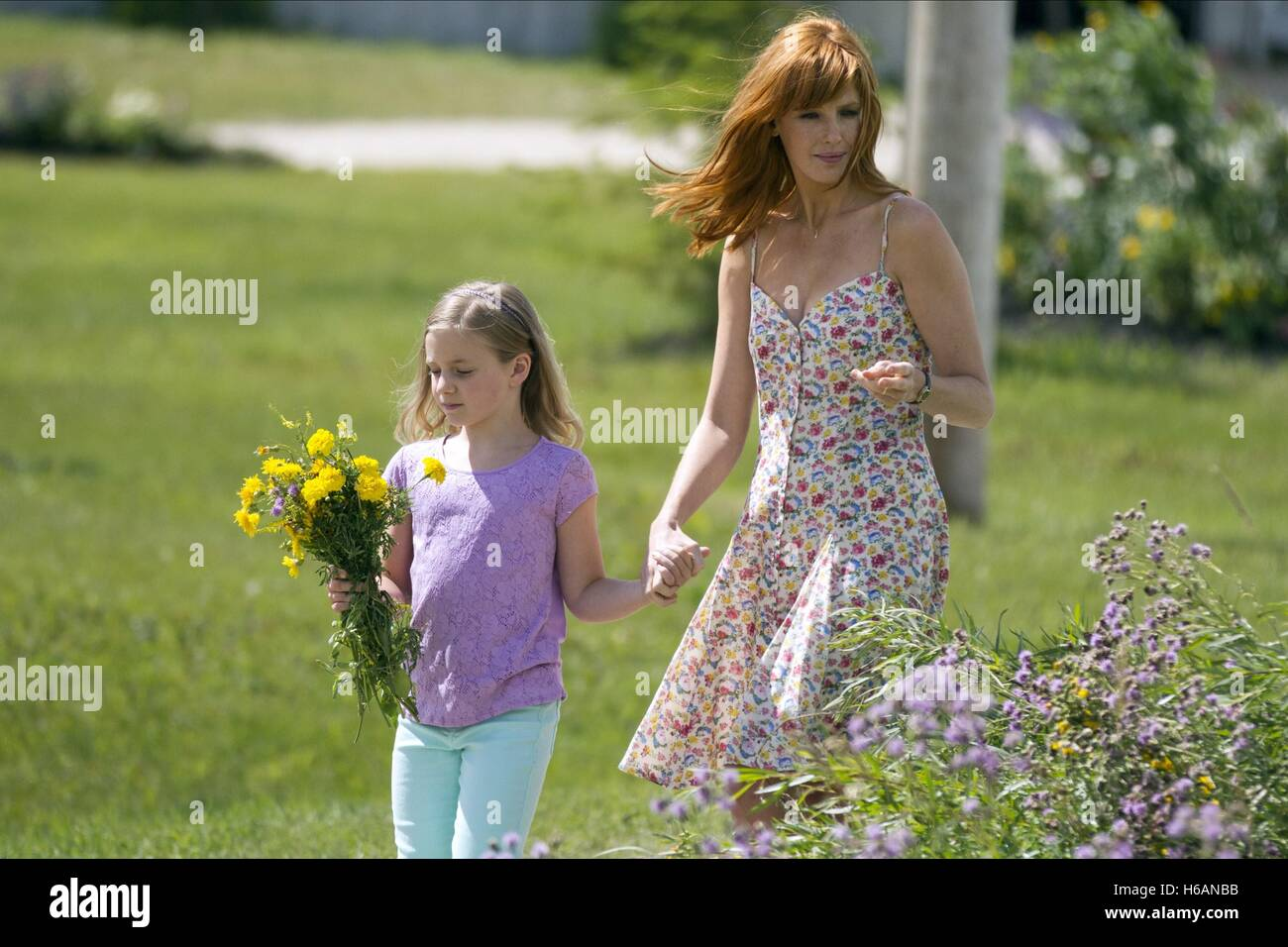 LANE STYLES & KELLY REILLY HEAVEN IS FOR REAL (2014) - Stock Image