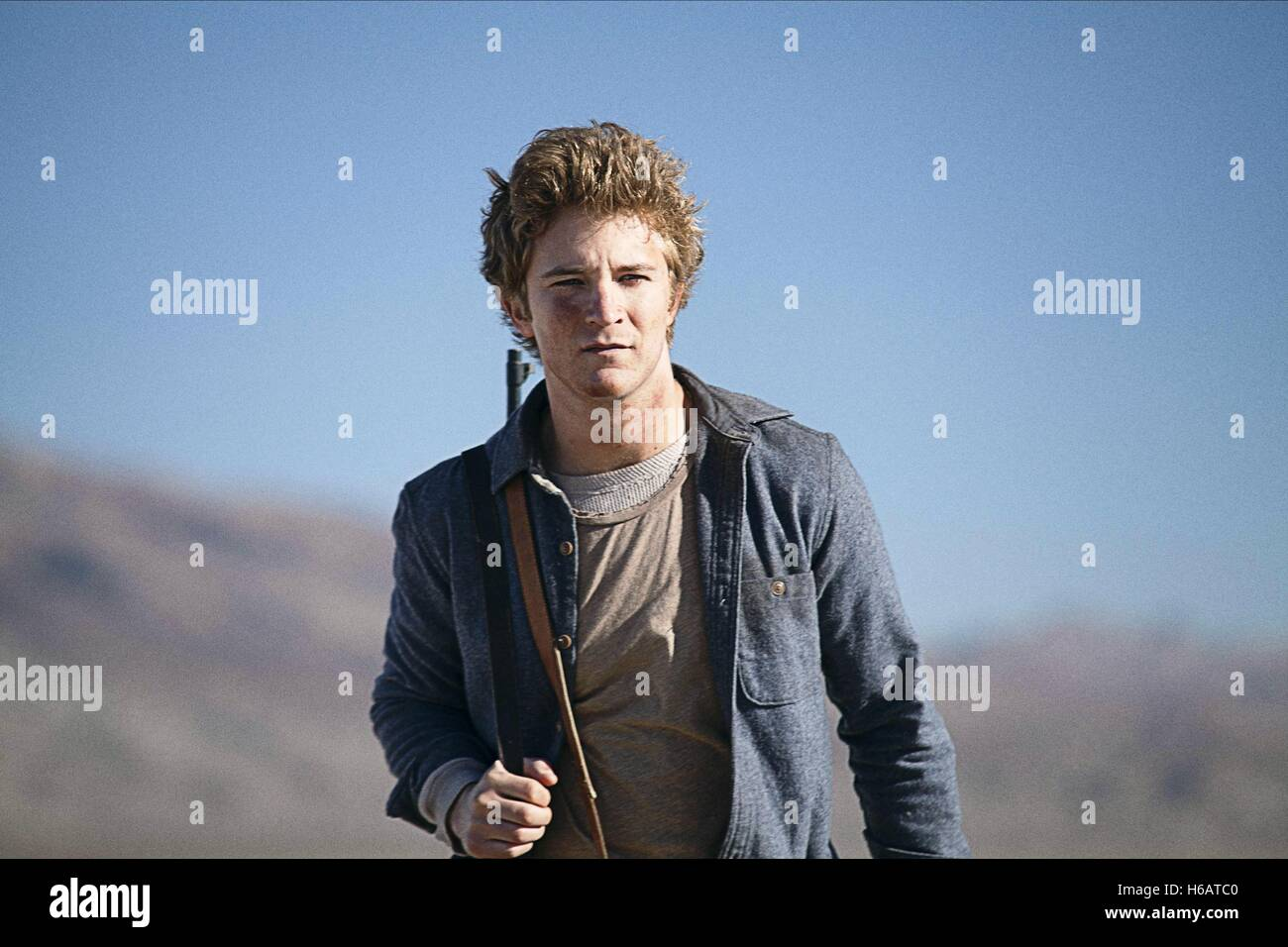 MICHAEL WELCH THE LAST SURVIVORS; THE WELL (2014) - Stock Image