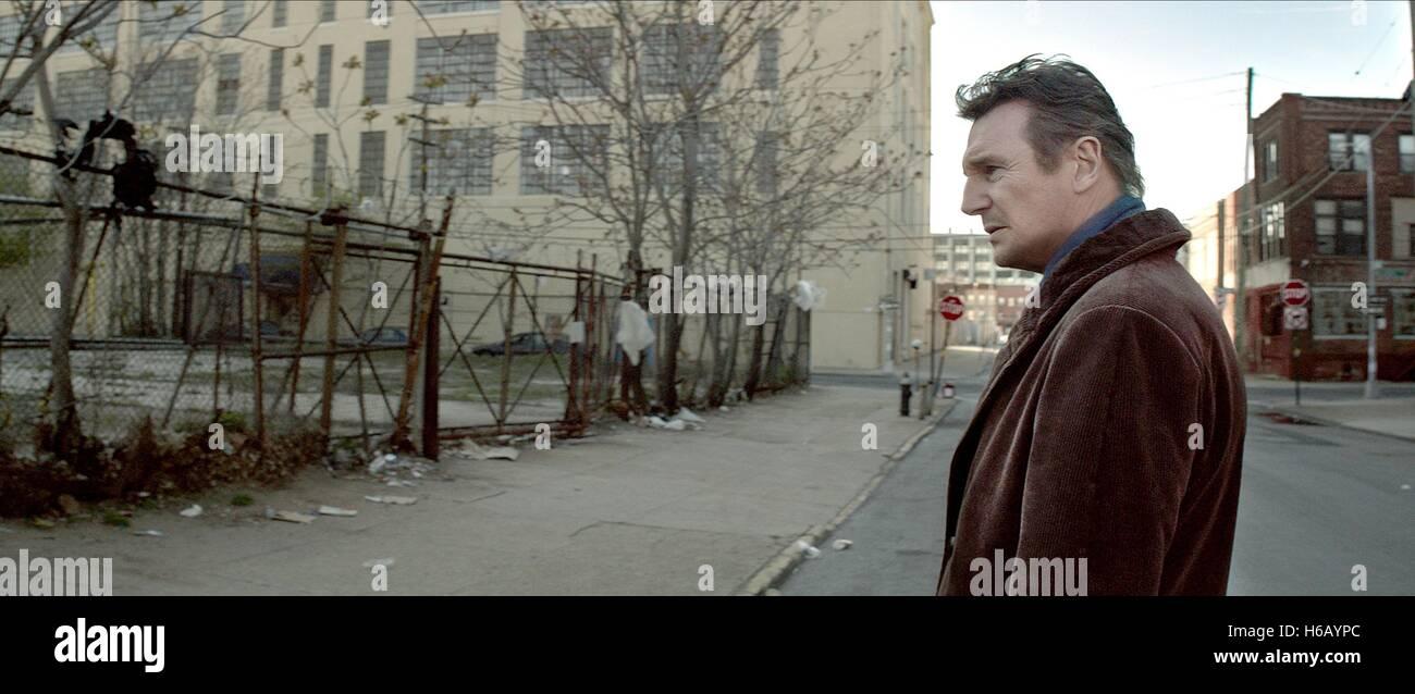 LIAM NEESON A WALK AMONG THE TOMBSTONES (2014) - Stock Image