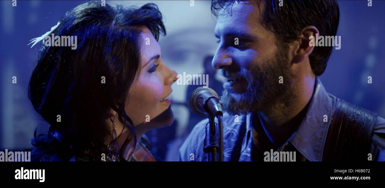 CAITLIN NICOL-THOMAS & ALAN POWELL THE SONG (2014) Stock Photo