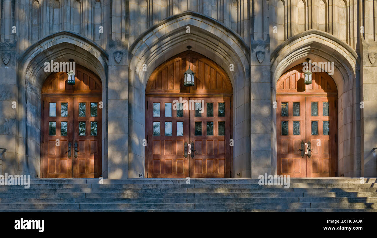 Front doors and steps of First United Methodist church. 501 N Tryon St, Charlotte, NC - Stock Image