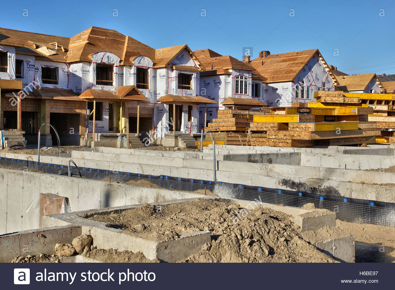 New houses under construction in toronto ontario canada for Homes built on your land with no money down