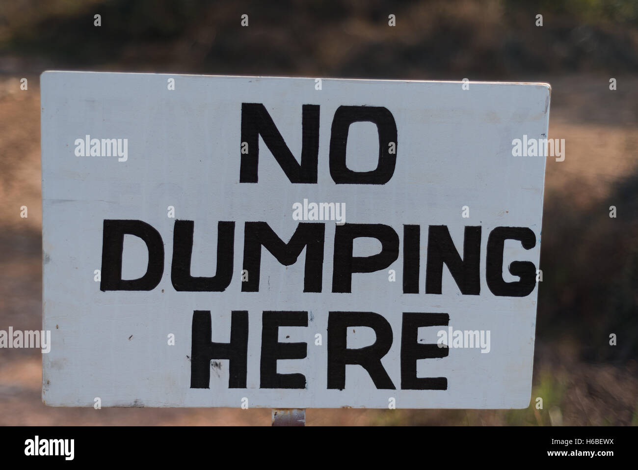 Sign stating no dumping here - Stock Image