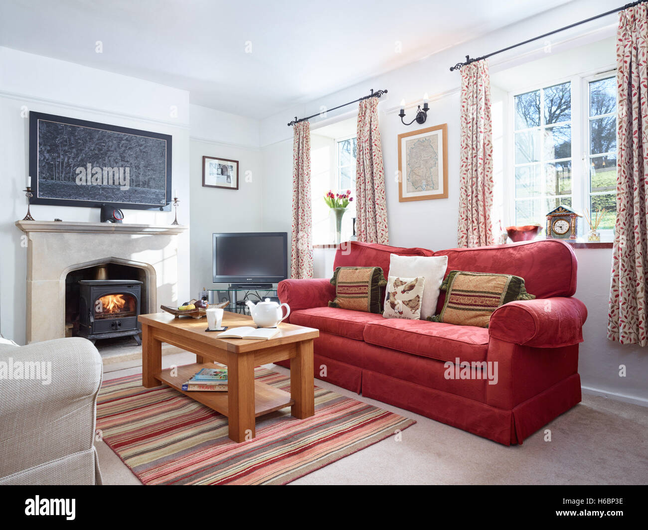 Country Home Living Room Stock Photos & Country Home Living Room ...
