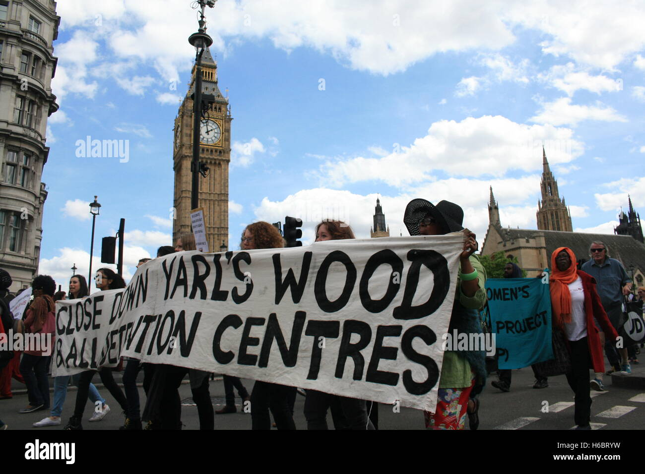 Campaigners for the closure of Yarls Wood Immigration Removal Centre and other detention centres across the world, - Stock Image