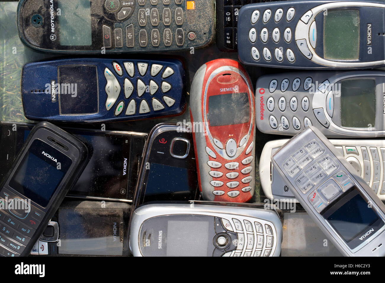 93918084a69 Old Mobile Phones Stock Photos & Old Mobile Phones Stock Images - Alamy