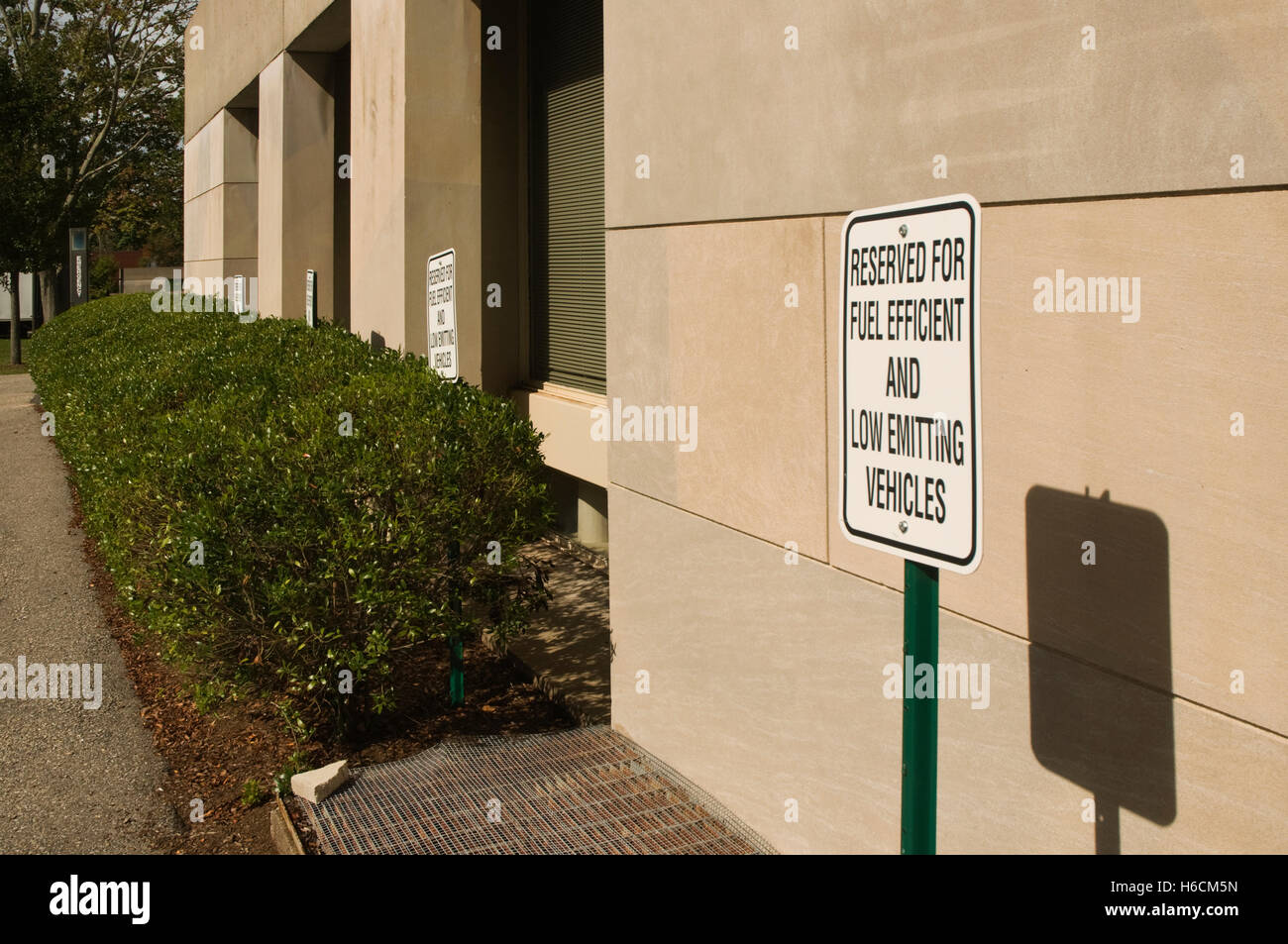 """UNITED STATES OF AMERICA (USA), Middletown, Connecticut, CT, car parking spaces  for """"fuel efficient and low emitting - Stock Image"""