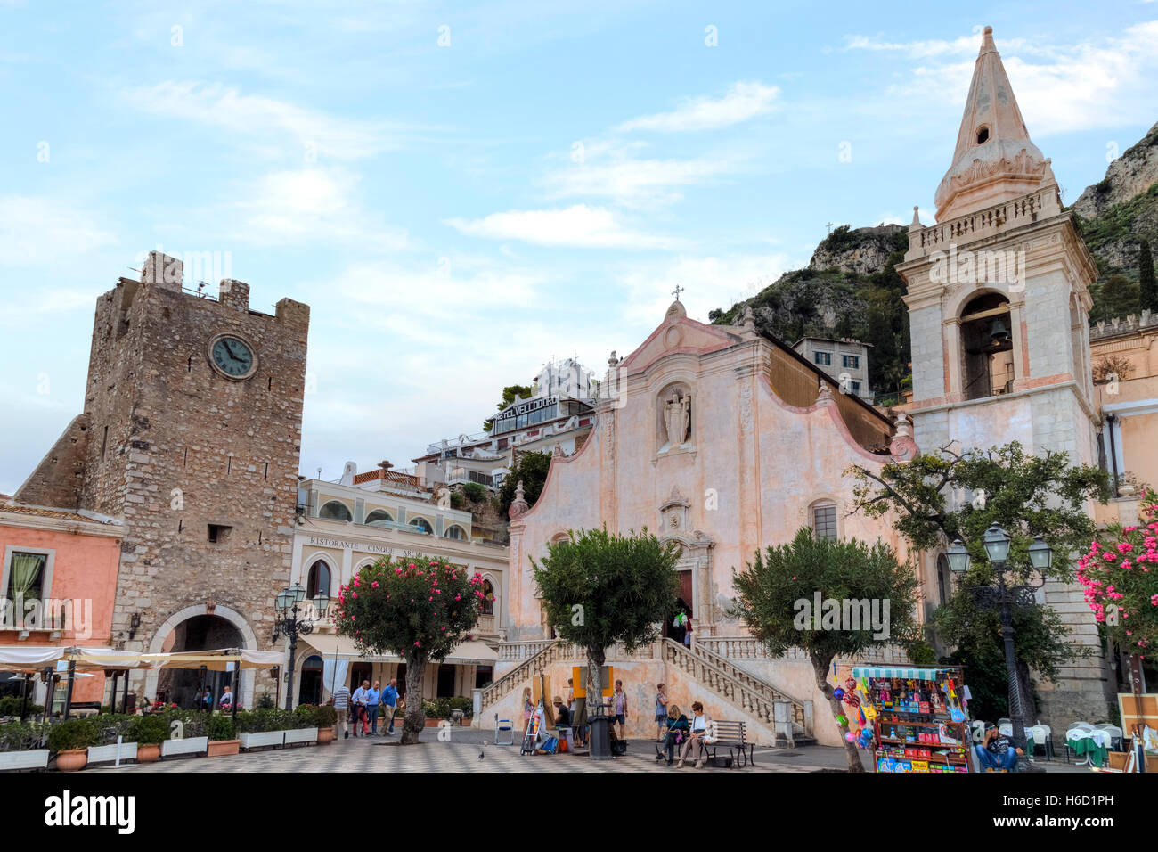 Piazza IX Aprile, Taormina, Sicily, Italy - Stock Image