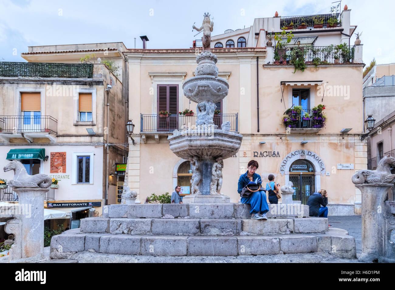 Piazza Duomo, Taormina, Messina, Sicily, Italy - Stock Image