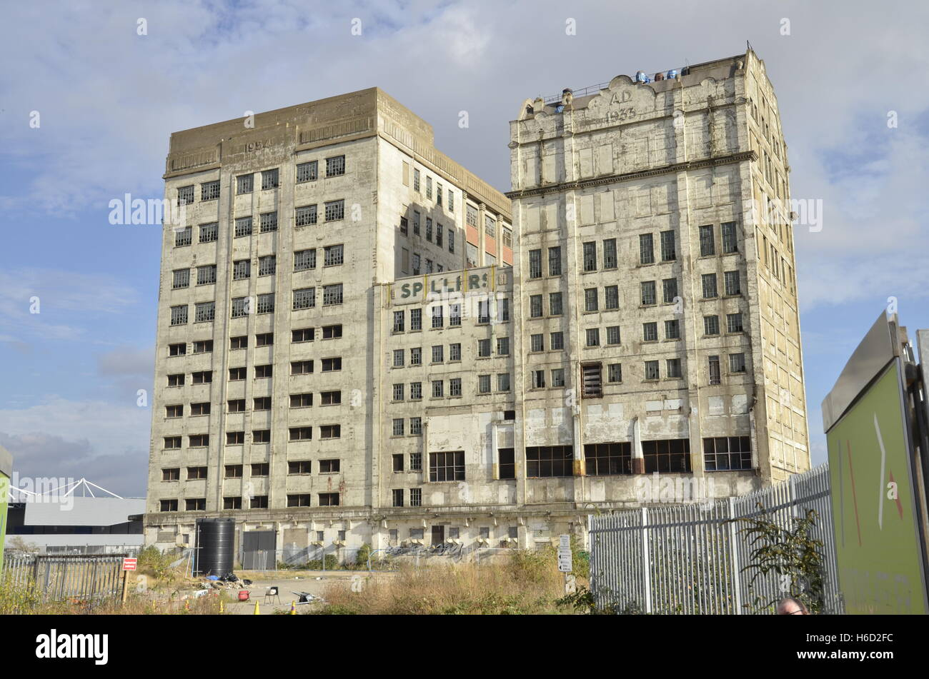 The derelict Millennium Mills, Silvertown, Royal Victoria Docks, London. - Stock Image