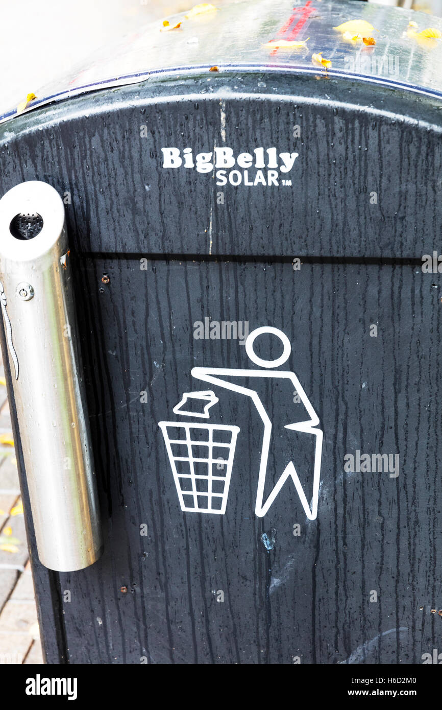 Solar Panel Waste Bin Big Belly Solar Rubbish Bin Trash Can Waste Stock Photo Alamy