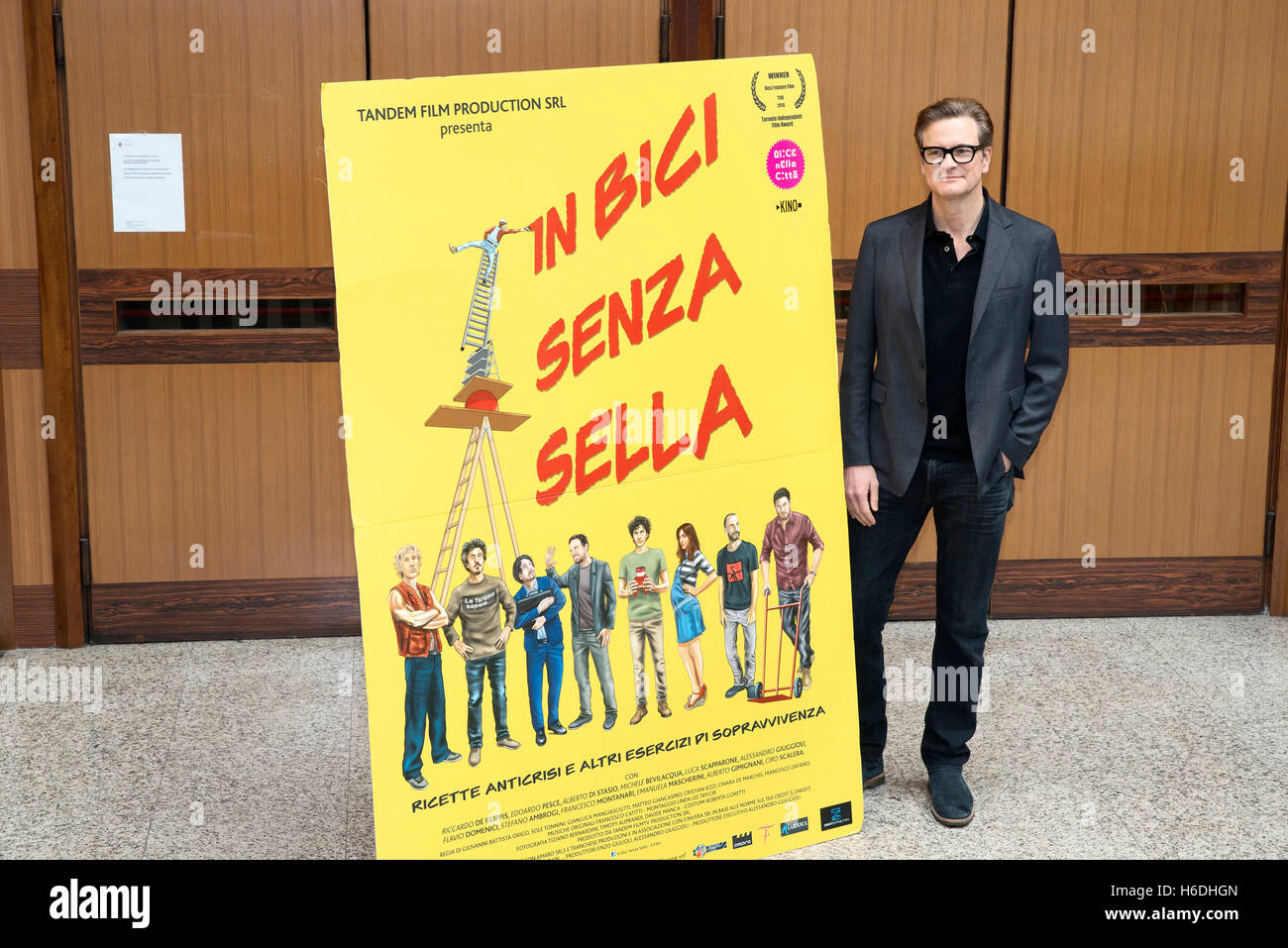 """Rome, Italy. 27th October, 2016. Colin Firth attends the photocall of """"In Bici Senza Sella"""" at Sapienza University Stock Photo"""