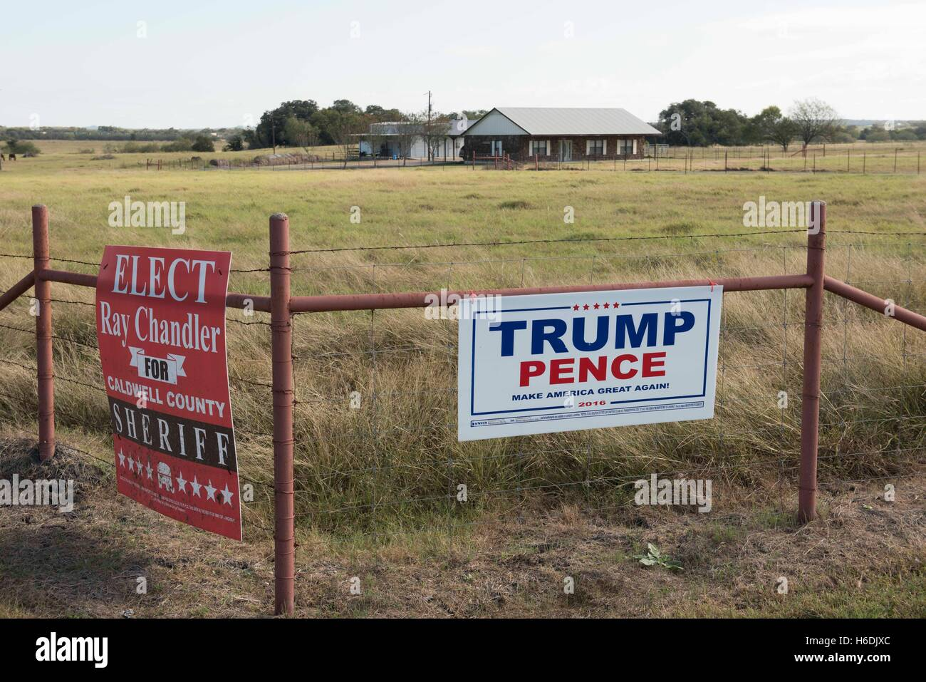 Sign on a Texas ranch fence supporting Republican presidential and vice presidential candidates Donald Trump and Mike Pence Stock Photo