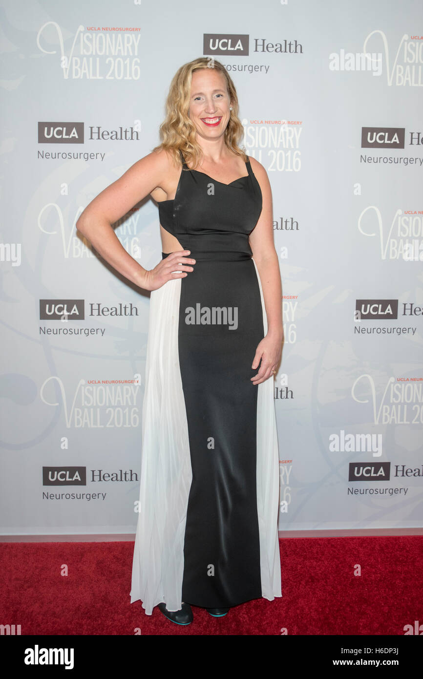 Beverly Hills, USA. 27th Oct, 2016. Dr. Julia Kerrigan arrives at UCLA Department Of Neurosurgery Visionary Ball - Stock Image