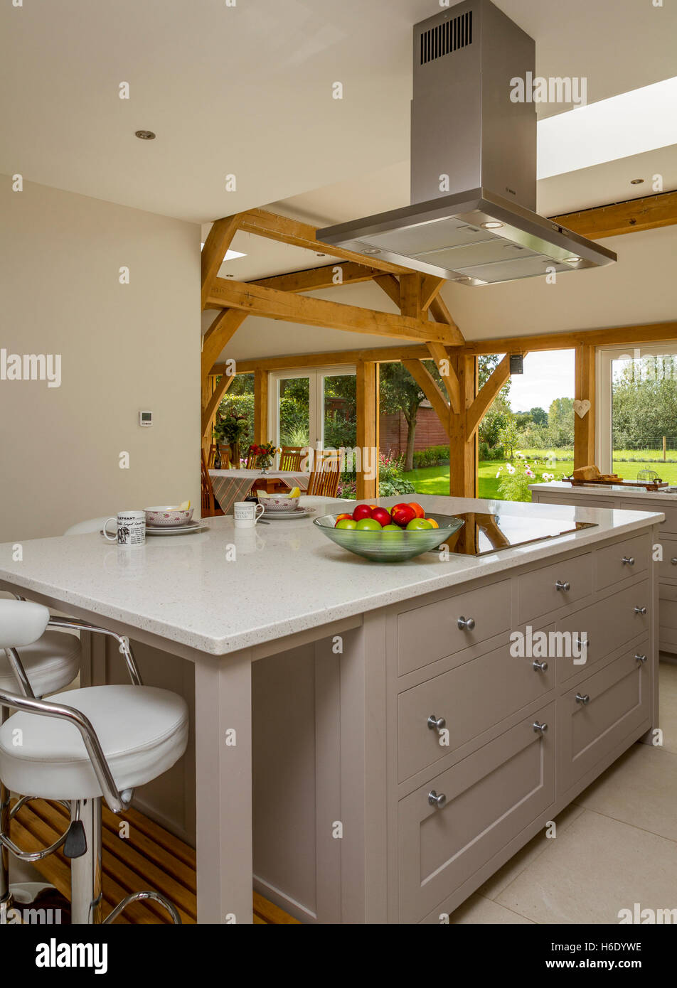 Genial Grey Painted Kitchen In Oak Framed Extension Stock Photo ...
