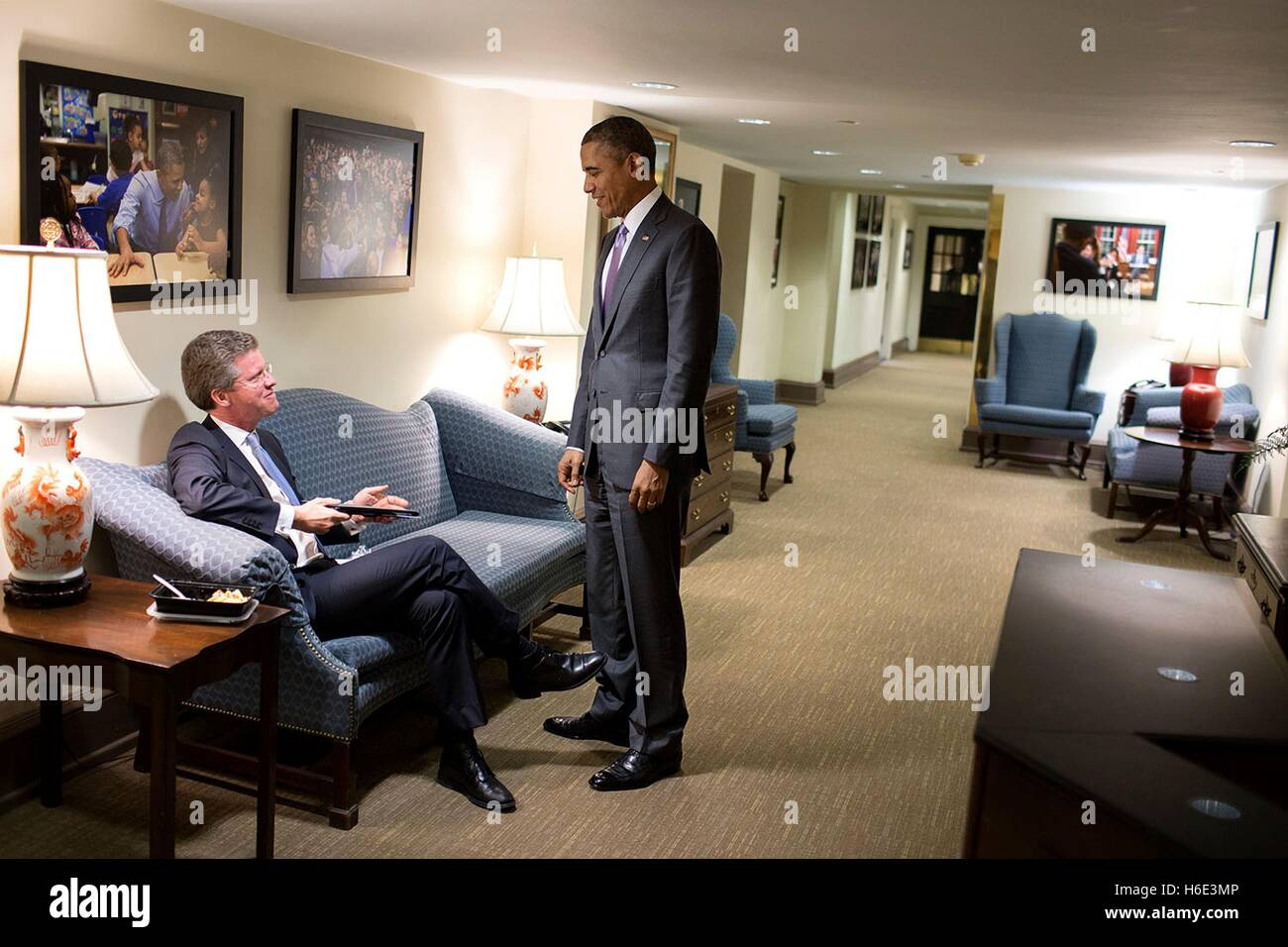 U.S. President Barack Obama talks with Office of Management and Budget Director Shaun Donovan in the White House - Stock Image
