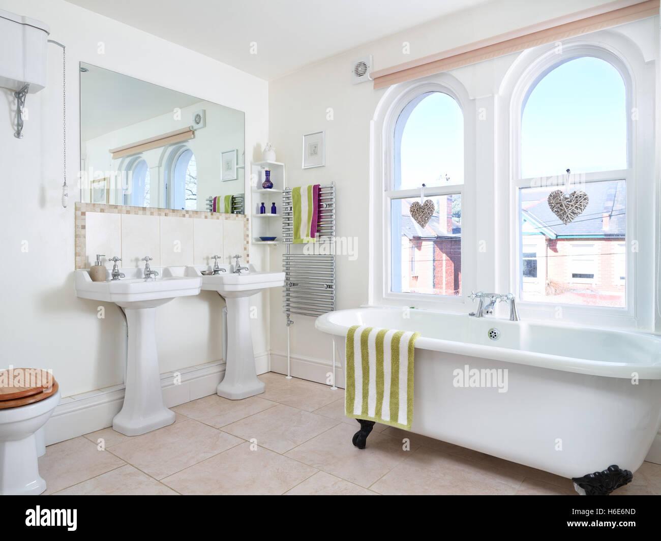Victorian Bath Bathroom Stock Photos & Victorian Bath Bathroom Stock ...